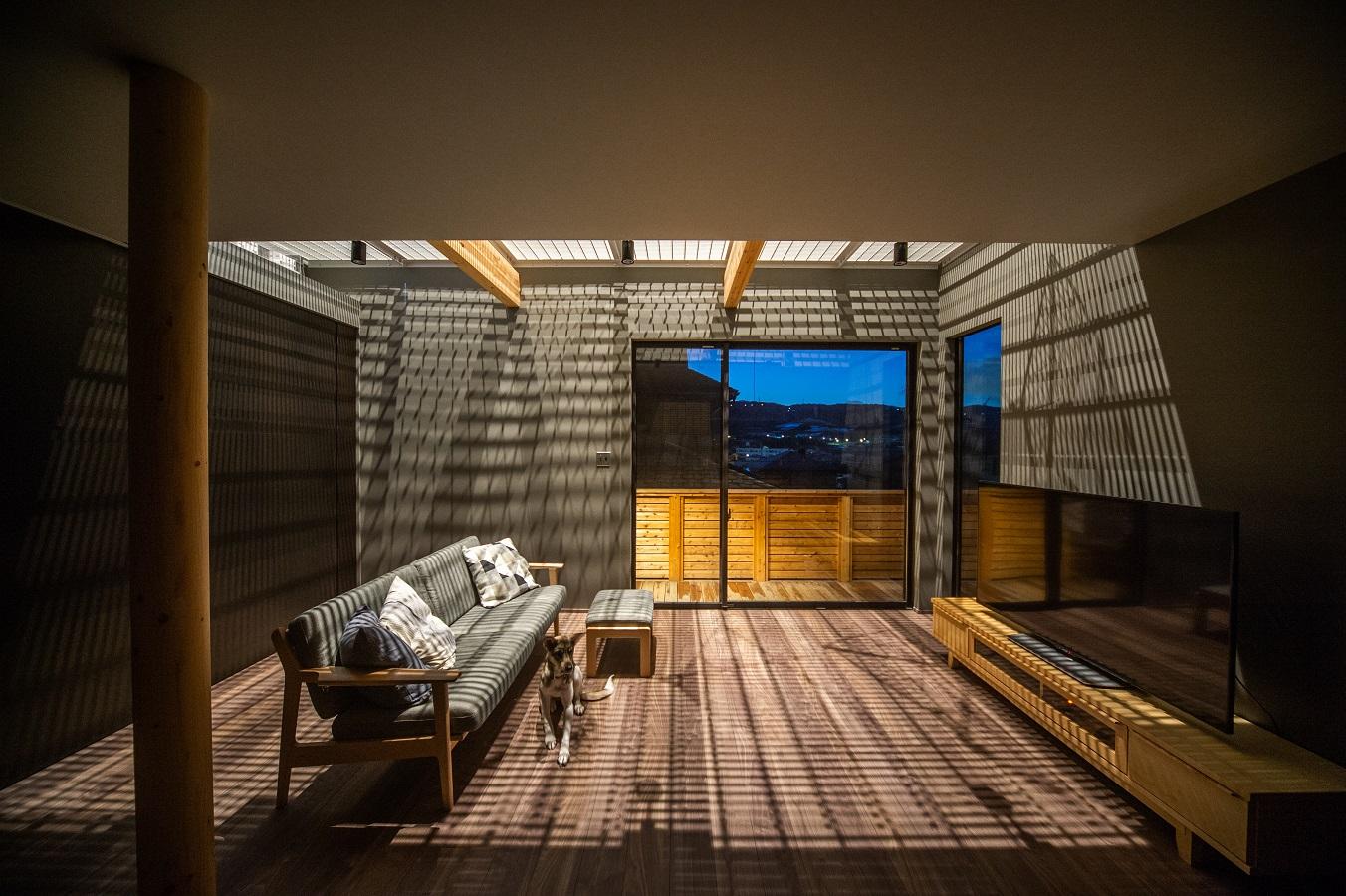 陰影と眺望の家